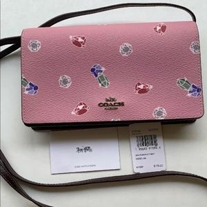 NWT COACH DISNEY PINK SNOW WHITE CROSSBODY CLUTCH